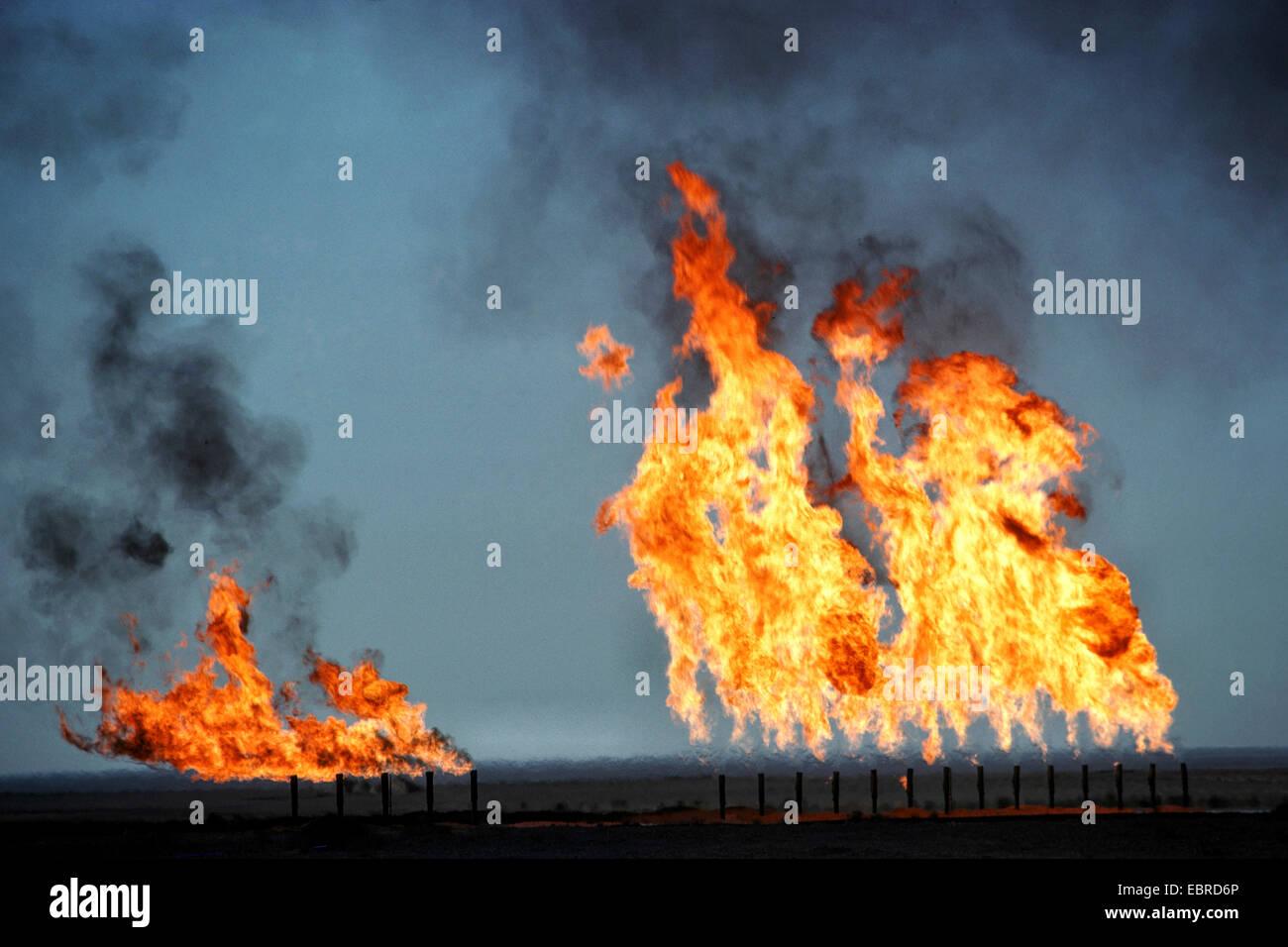 burning natural gas, Iraq, Rumaila - Stock Image