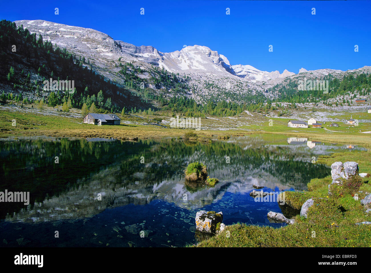 Fanes Alp and mountain lake, Italy, South Tyrol, Dolomiten - Stock Image