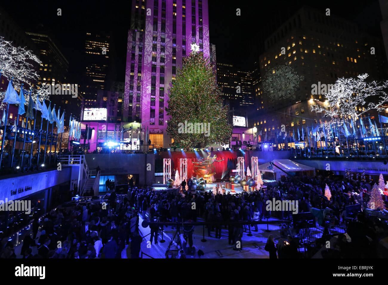 new york ny usa 3rd dec 2014 general view of the - New York Christmas Tree Lighting 2014