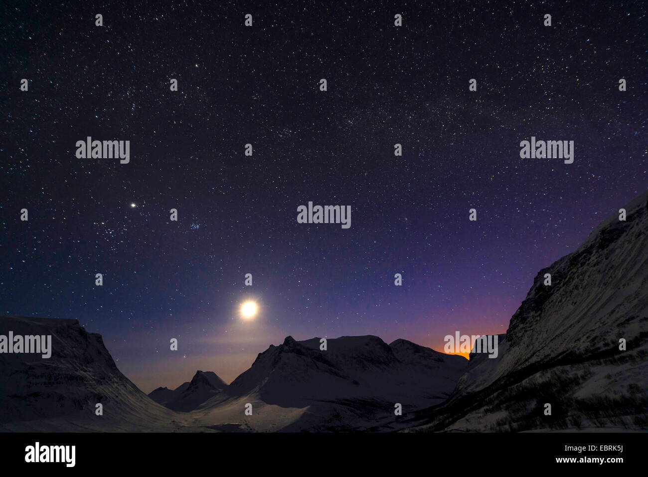 night with full moon in Vistasdalen, Sweden, Lapland, Kebnekaisefjaell, Vistasdalen - Stock Image