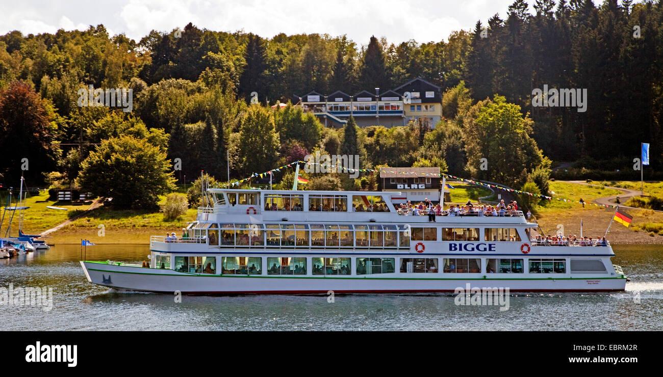 passenger ship on Lake Bigge, Germany, North Rhine-Westphalia, Sauerland - Stock Image