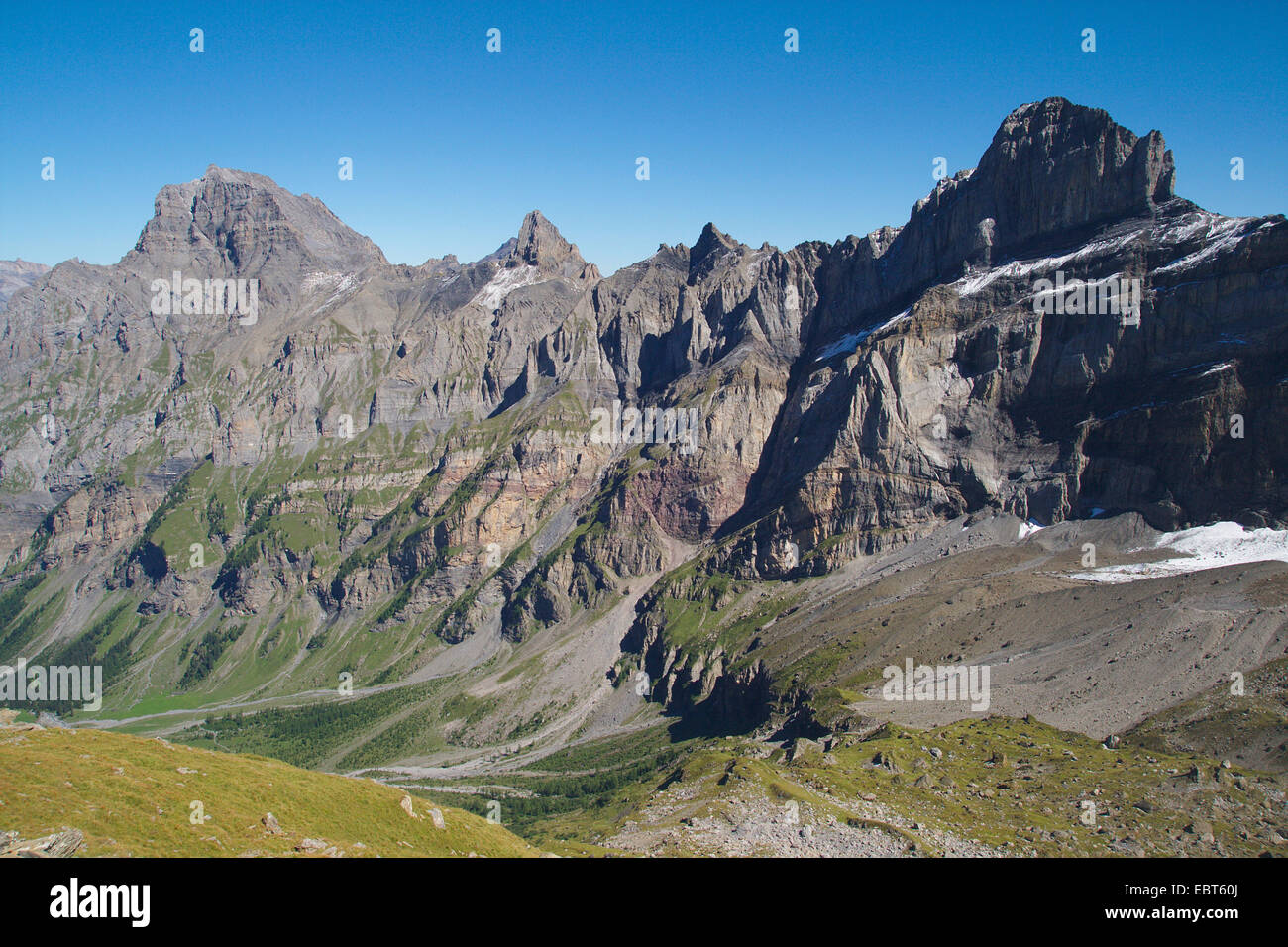 mountain scenery of Grand Muveran, Petit Muveran and Dent Favre with Morcles folding, Switzerland, Valais - Stock Image