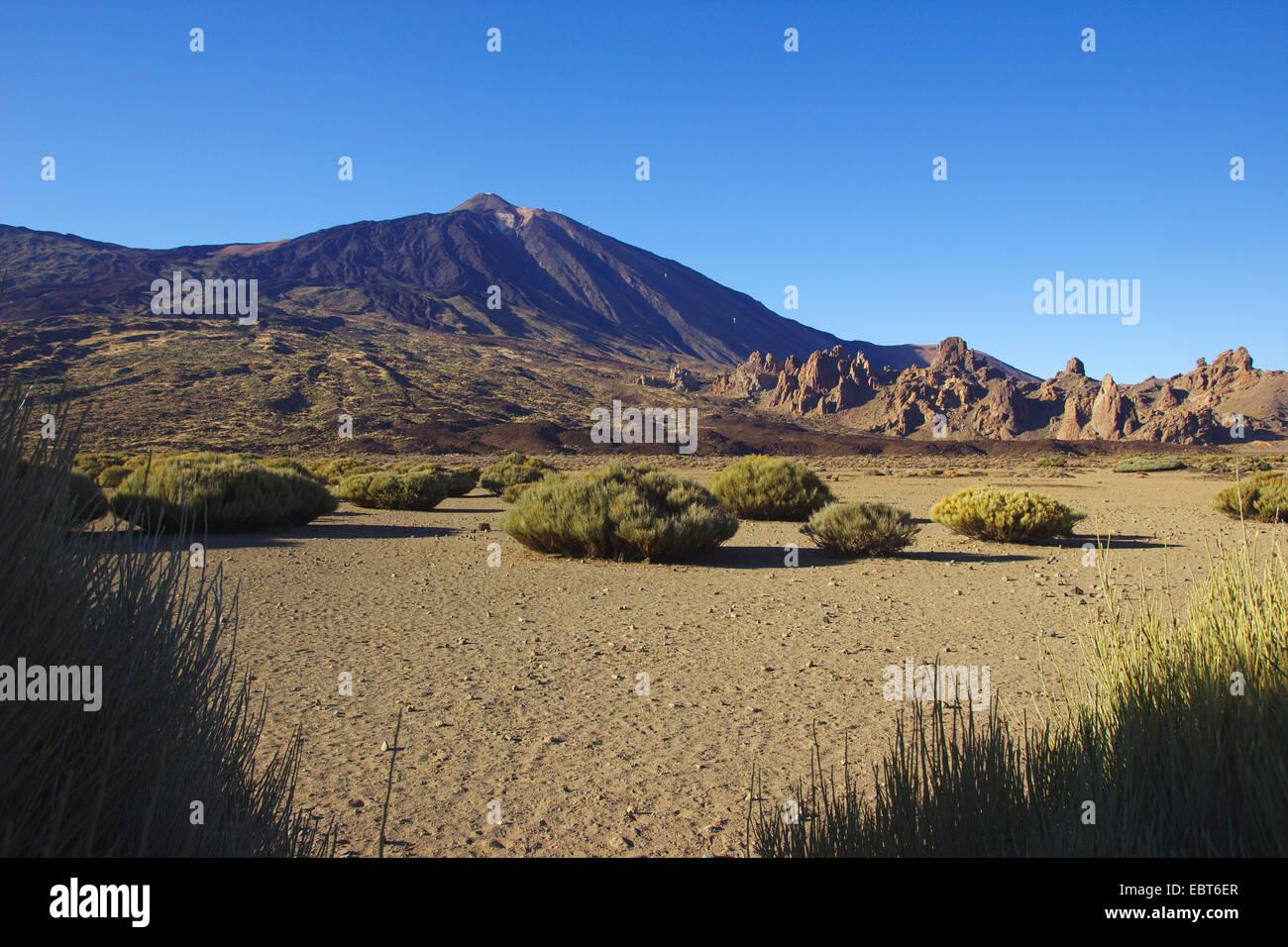 Llano de Ucanca with Teide volcano and Roques de Garcia, Ca�adas Caldera, Canary Islands, Tenerife, Teide National - Stock Image