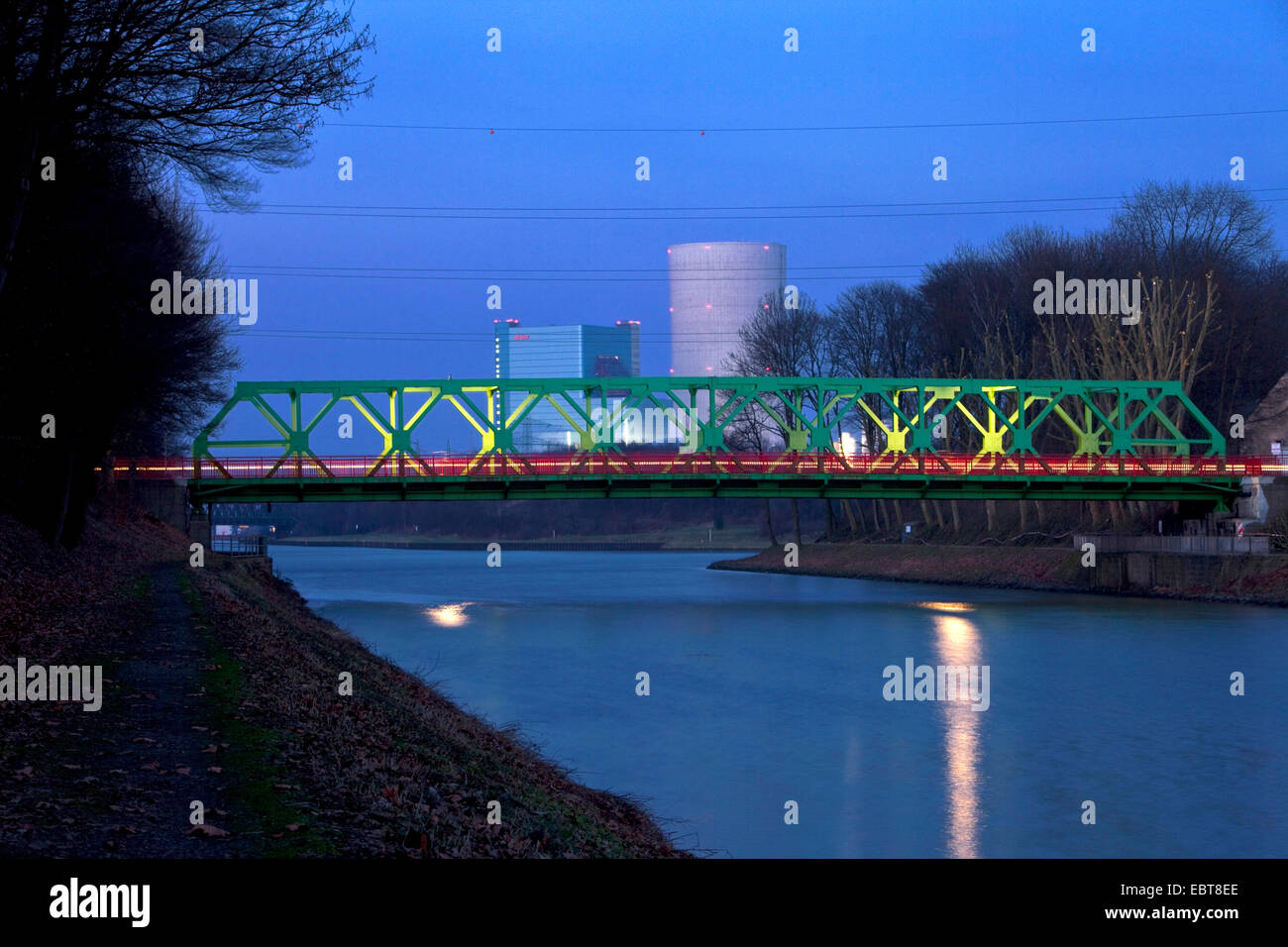 Dortmund�Ems Canal and Lucas bridge, coal power plant in background, Germany, North Rhine-Westphalia, Ruhr Area, - Stock Image