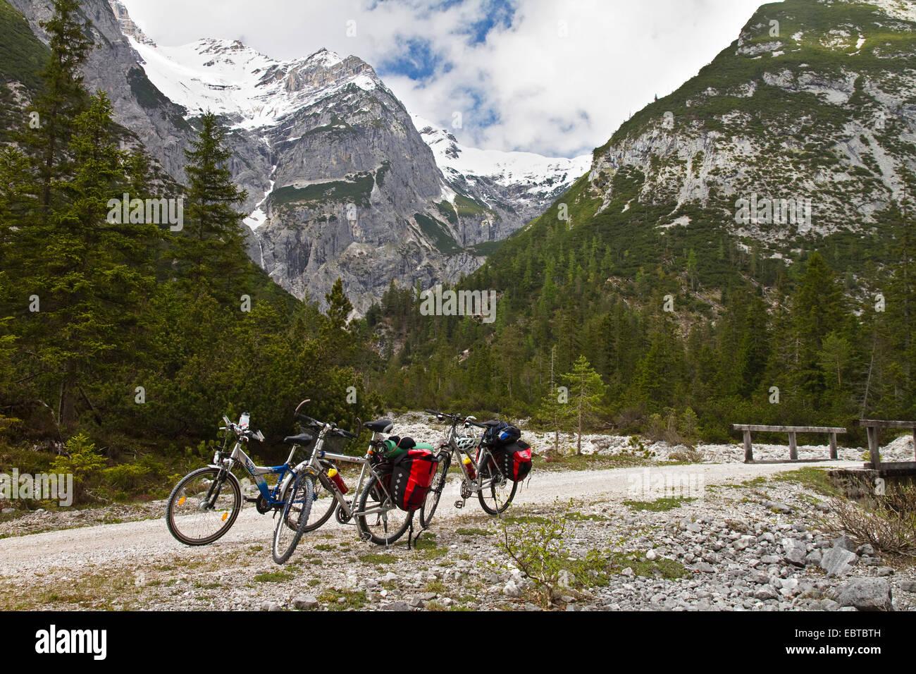 bicycles at Isar biking trail, Austria, Tyrol, Karwendel Mountains, Hinterautal - Stock Image