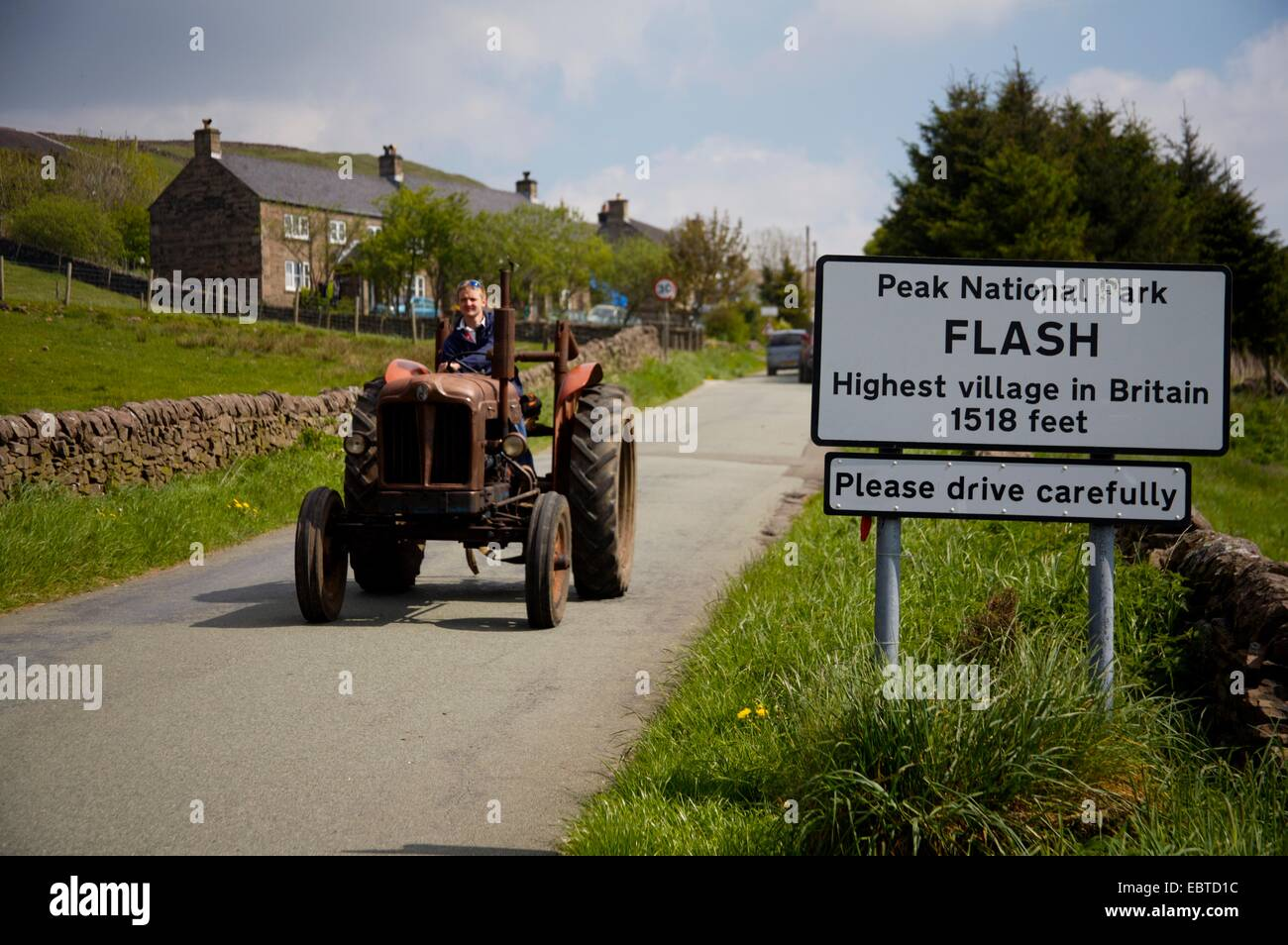 Flash, highest village in Britain and vintage tractor in annual tractor rally - Stock Image