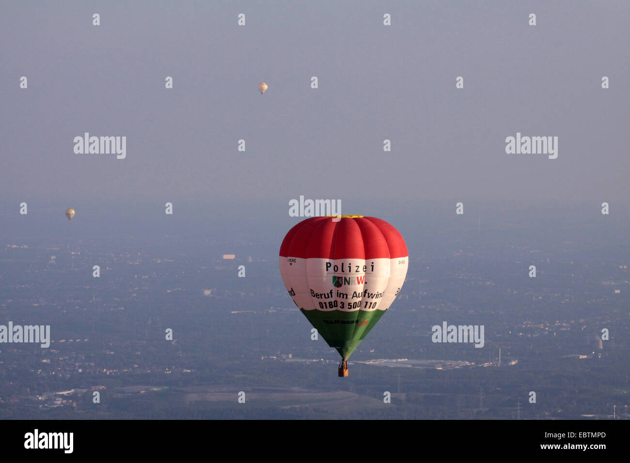 hot-air balloons over Ruhr Area, Germany, North Rhine-Westphalia, Bottrop - Stock Image