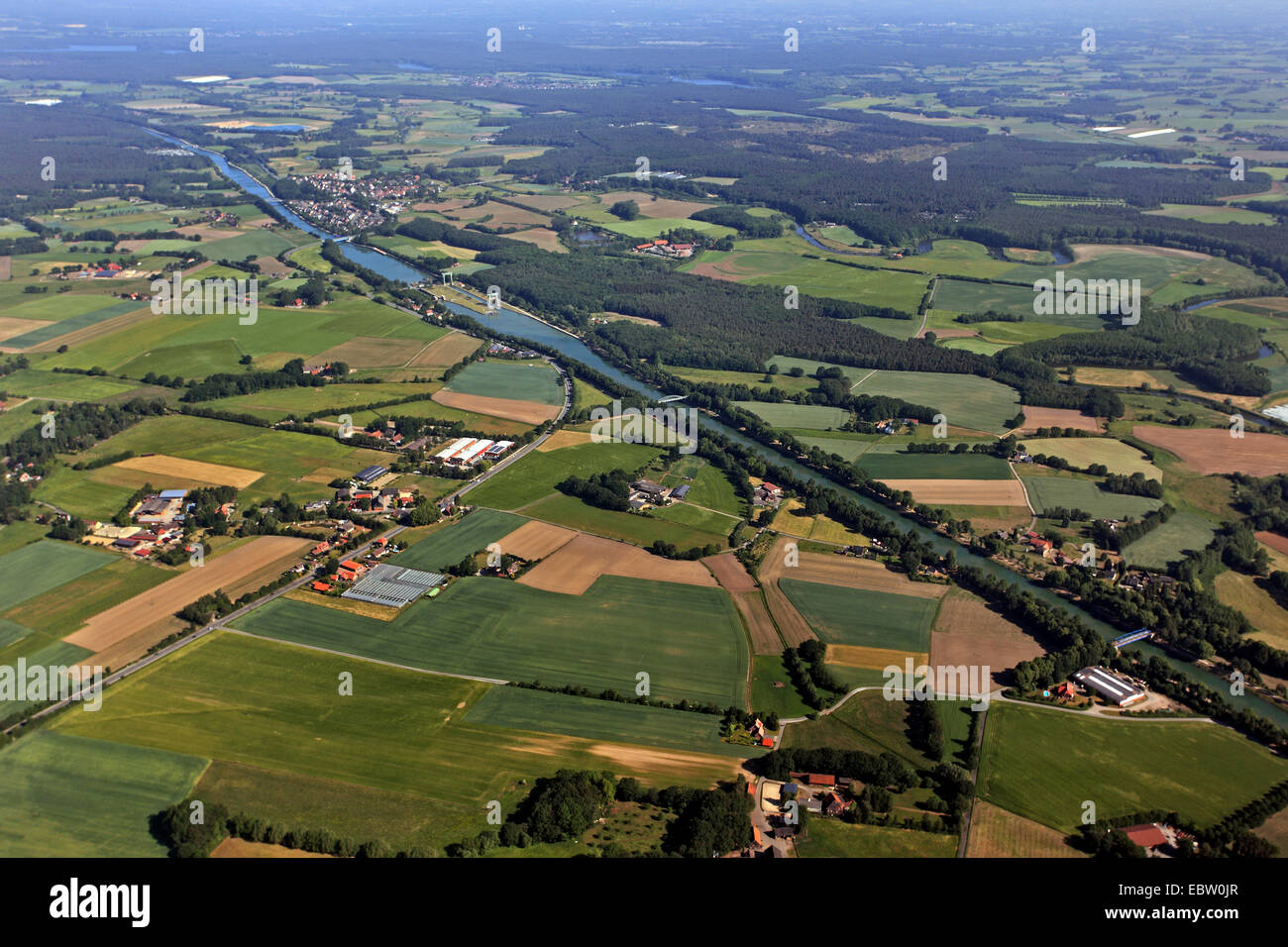 chanal Weser Datteln Kanal with watergate Ahsen, Germany, North Rhine-Westphalia, Ruhr Area, Datteln - Stock Image