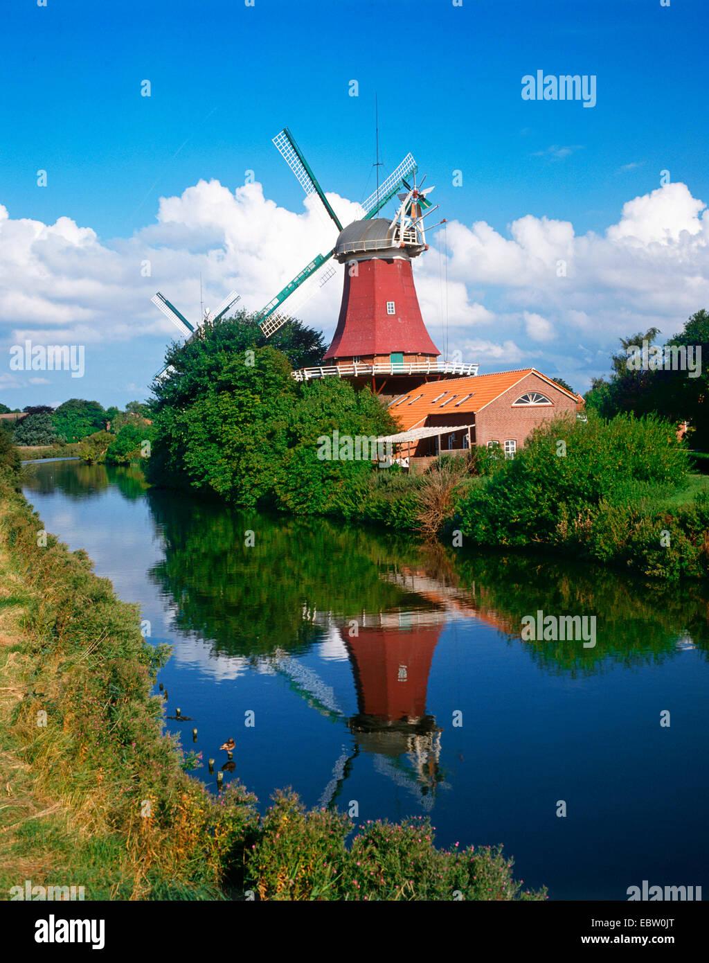 twin mills of Greetsiel, Germany, Lower Saxony, East Frisia, Greetsiel - Stock Image