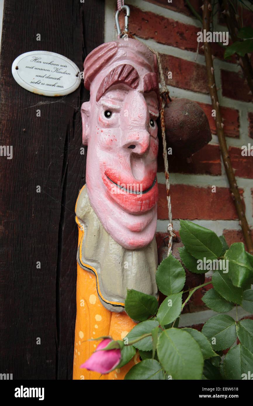 Wooden sculptur by artist Johann Reimar Schulz, Kulturelle Landpartie, Rundlingsdorf Pueggen, Wendland, Lower Saxony, - Stock Image