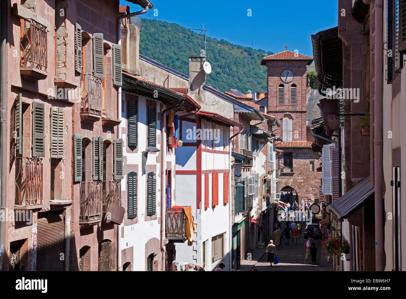 toen gate in Rue d'Espagne, France, Pyr�nn�es-Atlantiques, St.-Jean-Pied-de-Port - Stock Image