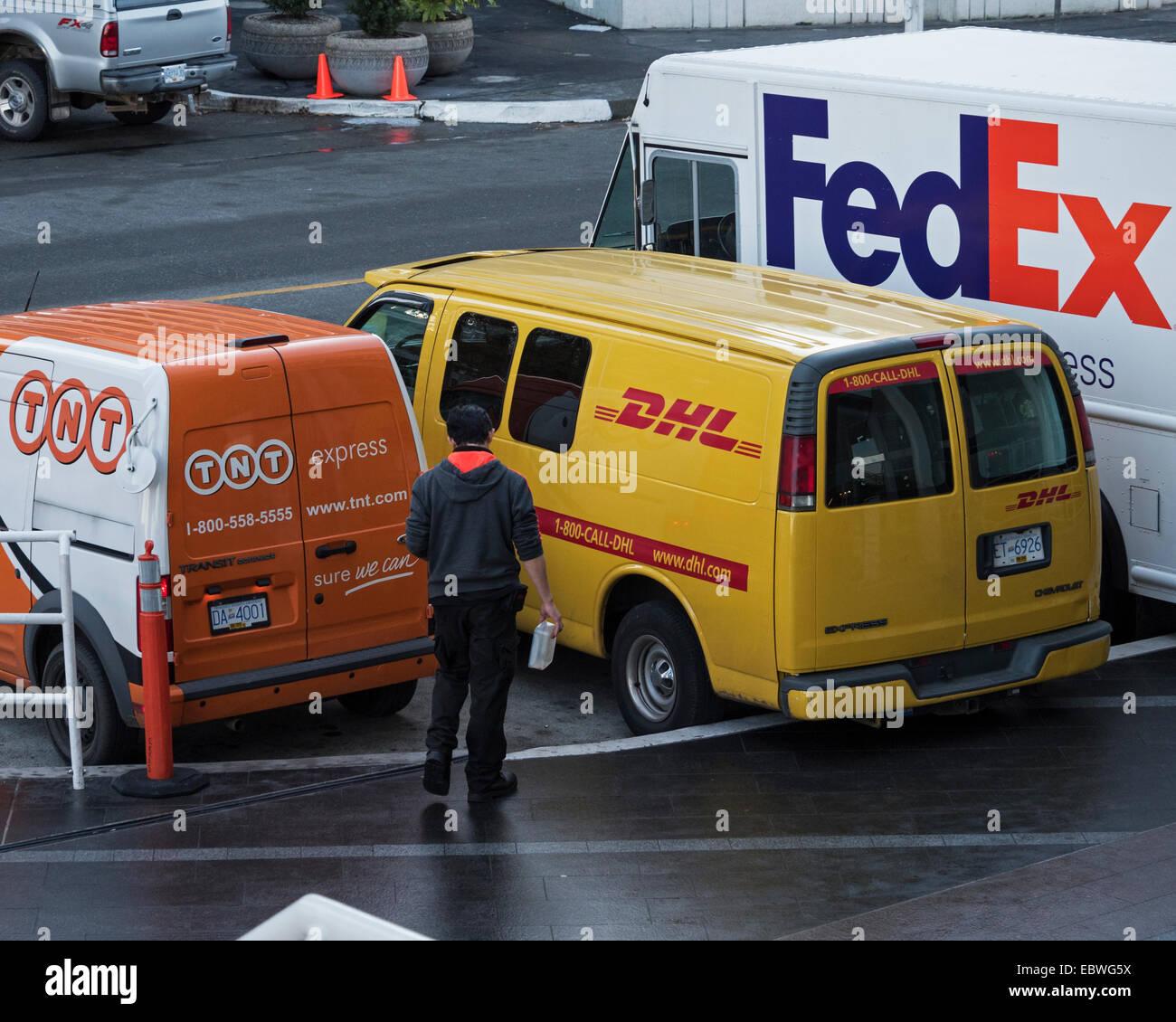 9b7493c7c6bdab Delivery vans belonging to TNT