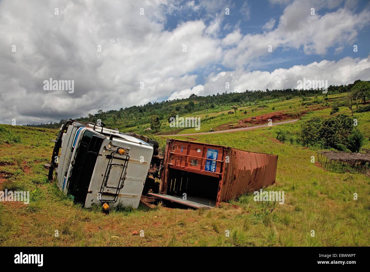 crashed truck roadsides, Burundi, Kirundo, Kirundo - Stock Image