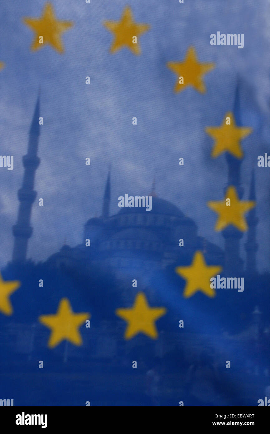 blue mosque with the flag of the European union, Turkey, Istanbul - Stock Image