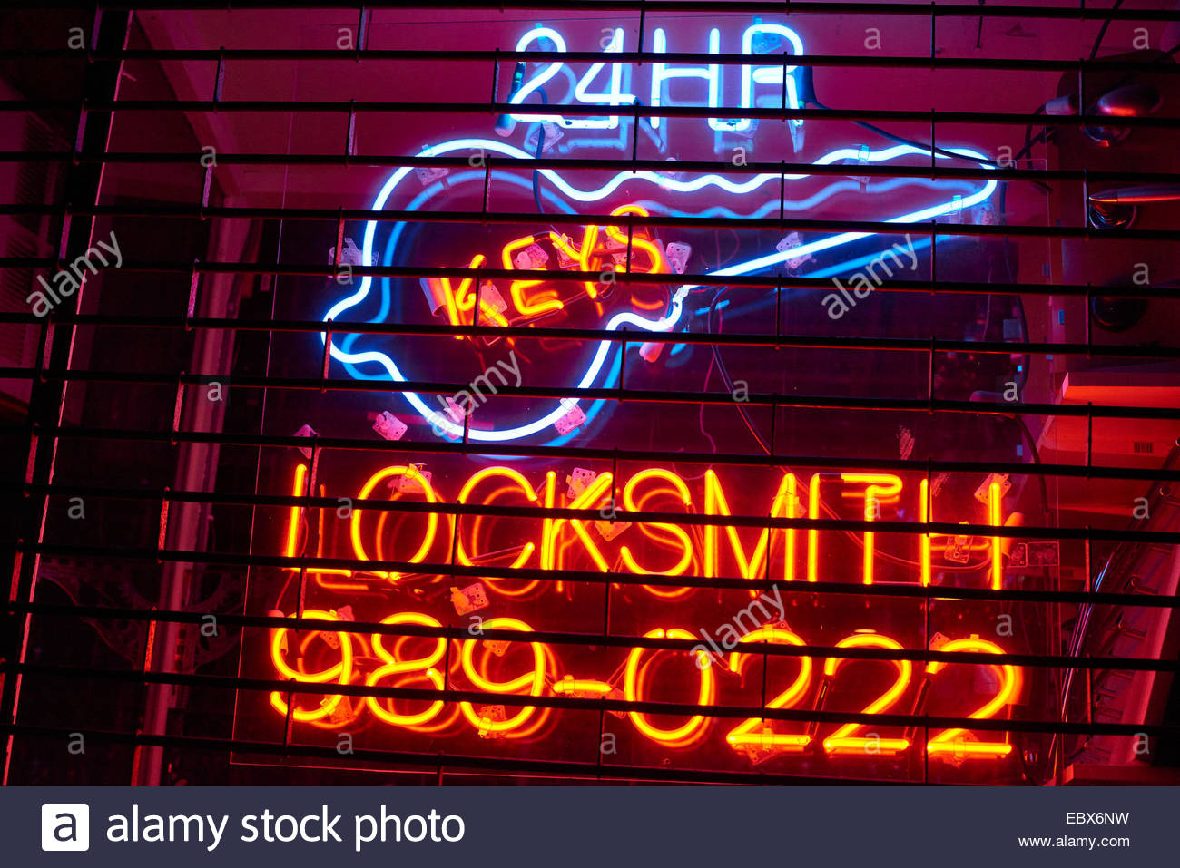 24 HR LOCKSMITH  NEON SIGN - Stock Image
