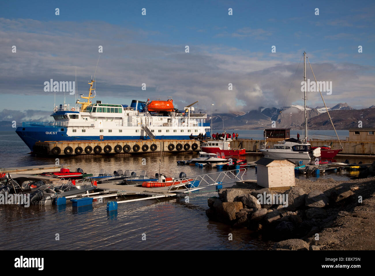 arctic cruise liner in the harbour of Ny Alesund, Norway, Svalbard, Ny Alesund - Stock Image