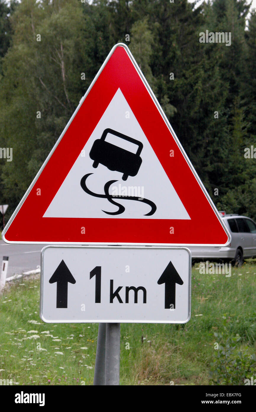 traffic sign, slippery road - Stock Image