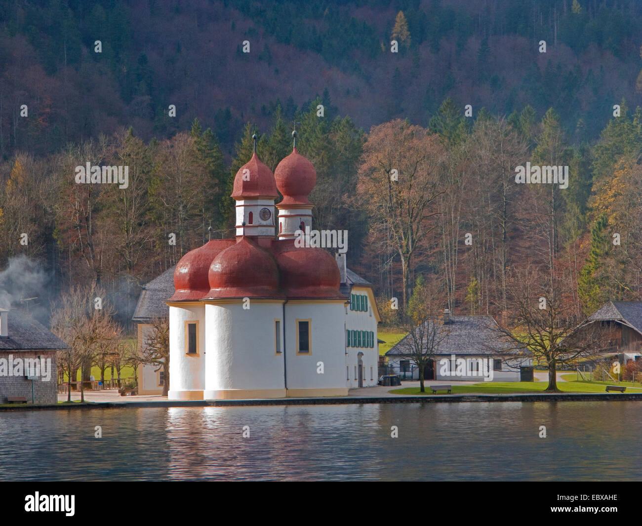 chapel St. Bartholomae with hunting lodge, Germany, Bavaria, Koenigssee - Stock Image