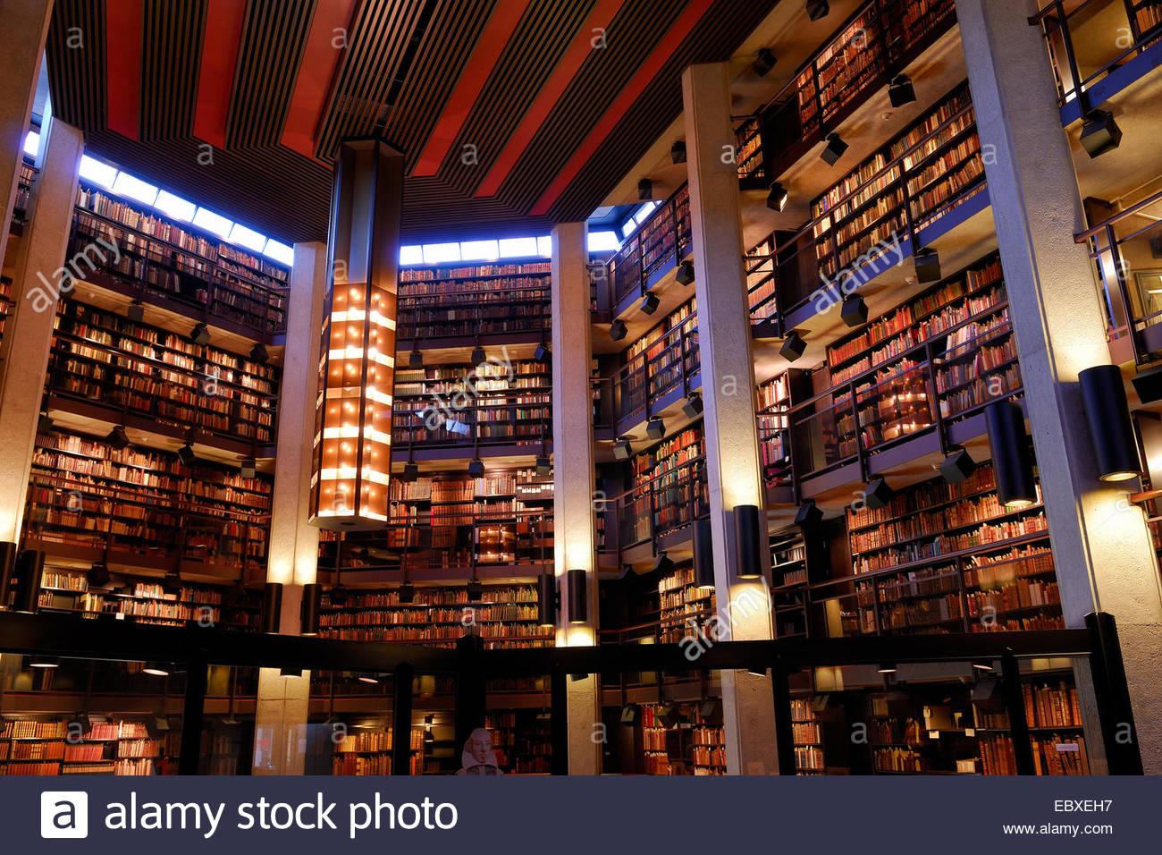 Thomas Fisher Rare Book Library and Shakespeare, Canada, Ontario, Toronto - Stock Image