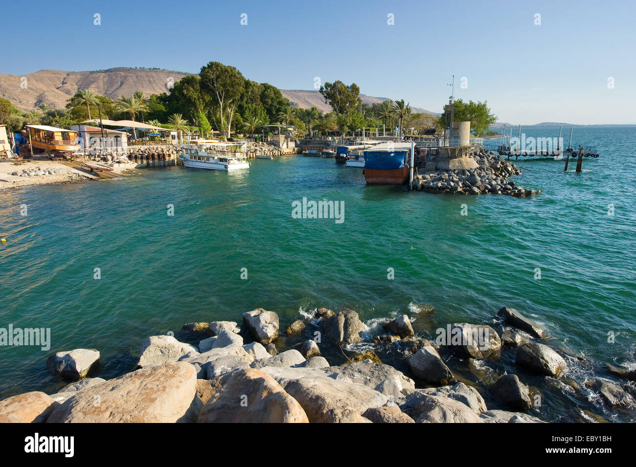 The little harbour of Ein Gev on the east coast of the lake of Galilee in Israel - Stock Image
