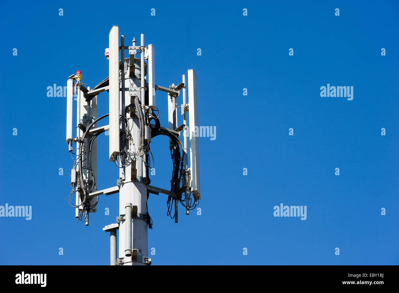 Antenna for mobile network - Stock Image