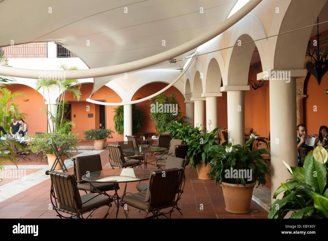 Dominikanische Republik, Santo Domingo, Zona Colonial, Calle las Damas, Hostal Nicolas de Ovando - Stock Image
