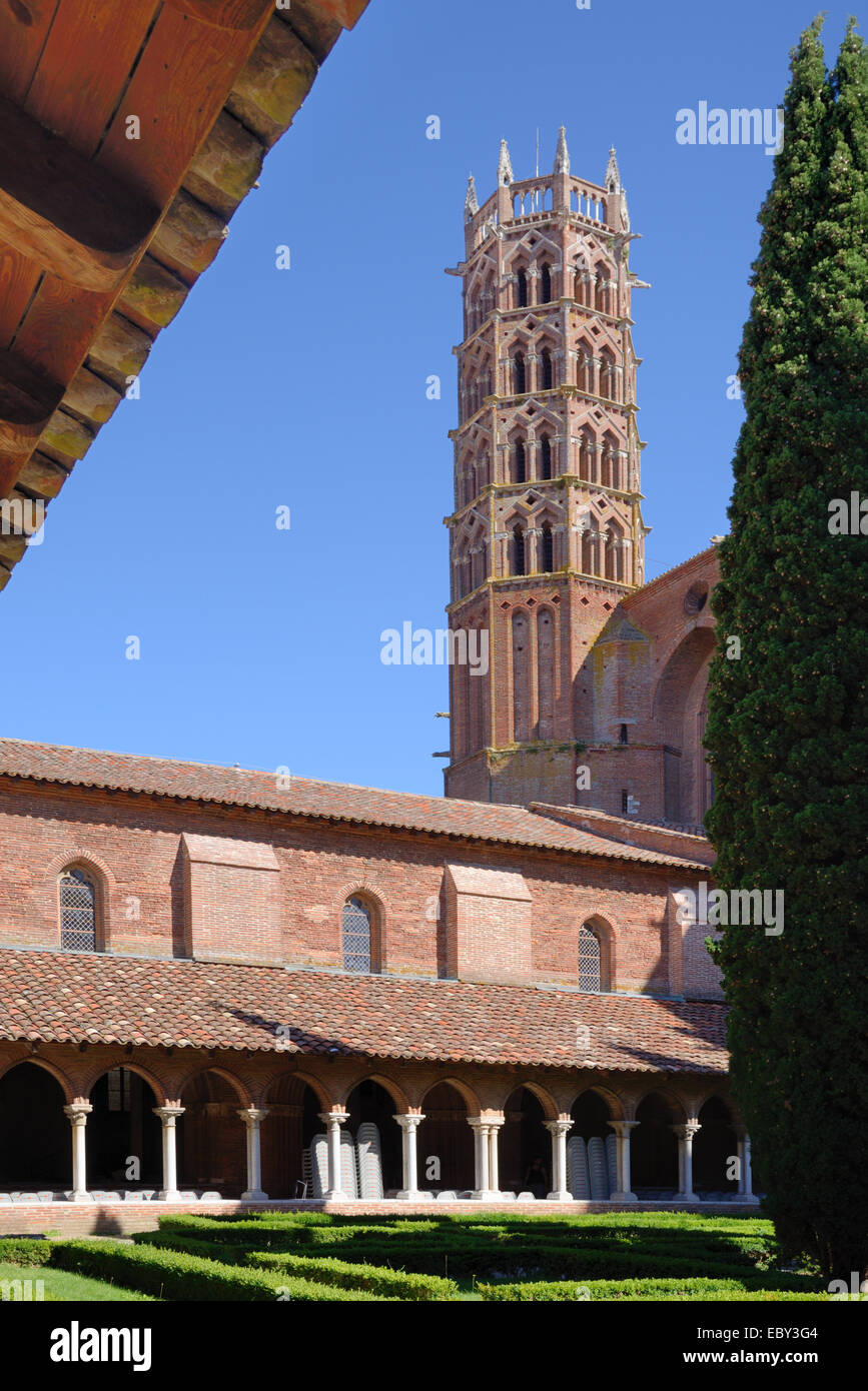 Bell Tower or Belfry Cloisters and Courtyard Garden Eglise des Jacobins Church or Monastery Toulouse Haute-Garonne - Stock Image