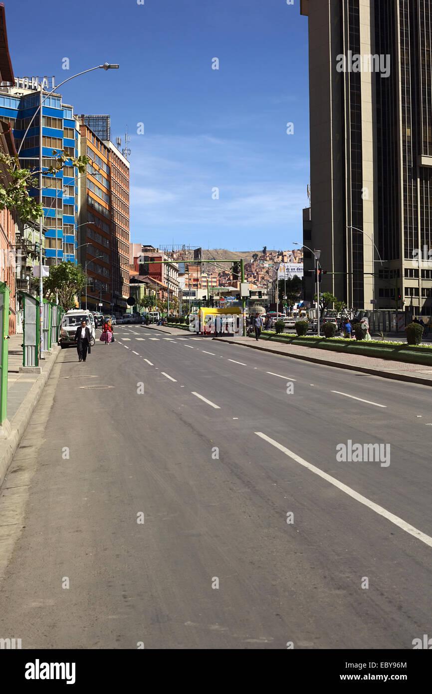 Mariscal Santa Cruz Avenue In La Paz Bolivia On The Day Of The Stock Photo Alamy