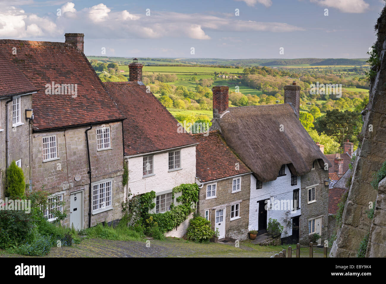 Picturesque Gold Hill in Shaftesbury, Dorset, England. Spring (May) 2014. - Stock Image
