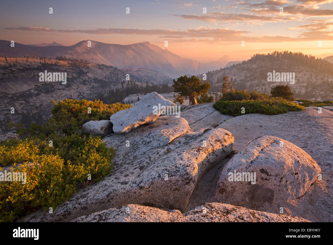 View towards Half Dome at sunset, from Olmsted Point, Yosemite National Park, California, USA. Autumn (October) - Stock Image
