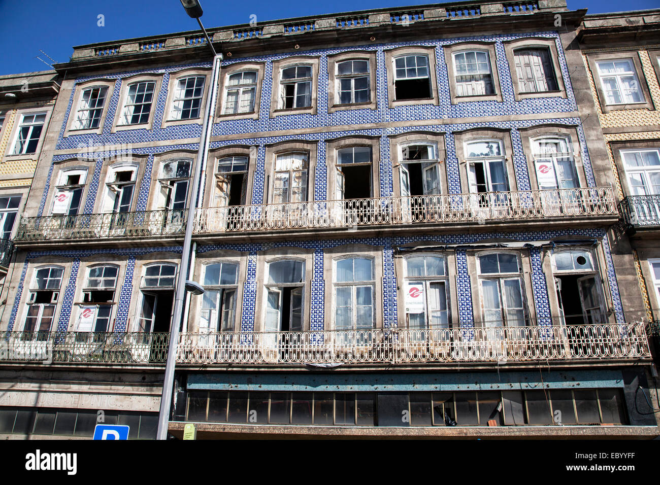 Abandon building in the centre of Porto, Portugal due to the recession. - Stock Image