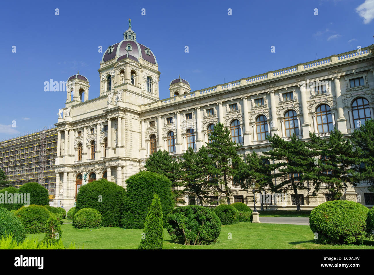 The Kunsthistorisches Museum (Art History Museum) and gardens in Maria-Theresien-Platz, Vienna, Austria. Stock Photo