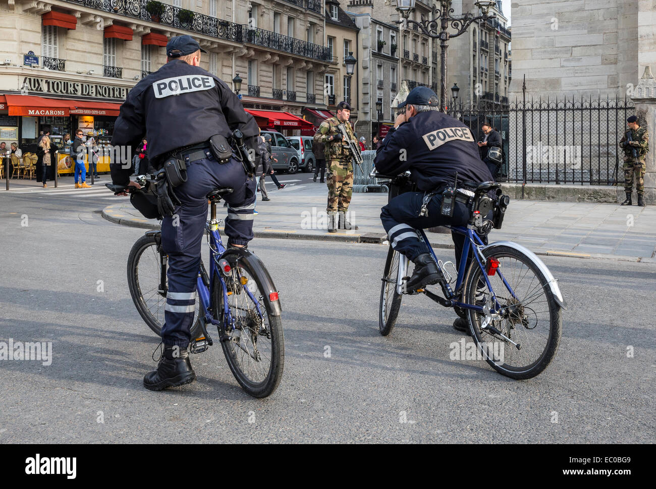 police military soldiers street paris france force - Stock Image