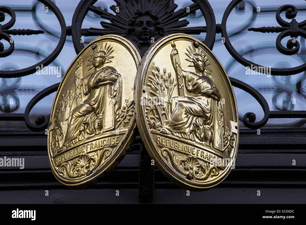 republique francaise plaque crest symbol - Stock Image