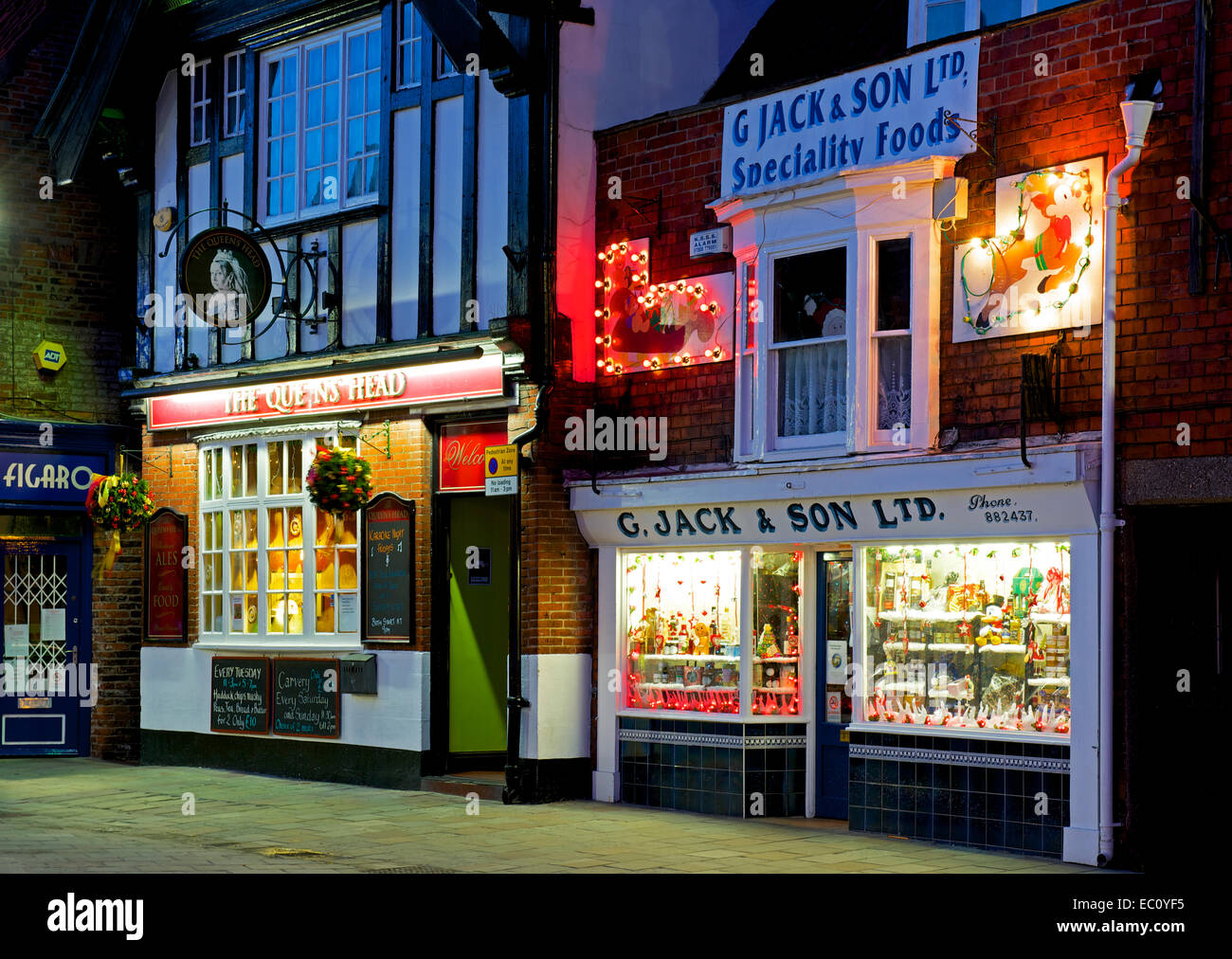 Beverley town centre at dusk, Humberside, East Yorkshire, England UK - Stock Image