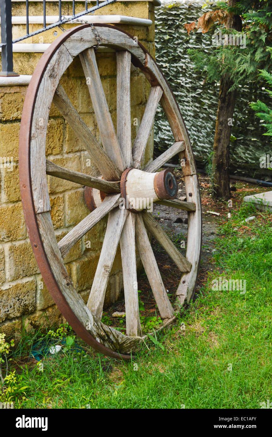 the wodden wheel - Stock Image