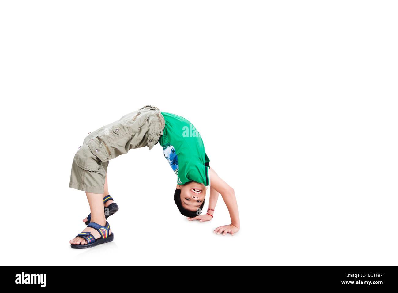 1 indian child boy Stunt - Stock Image