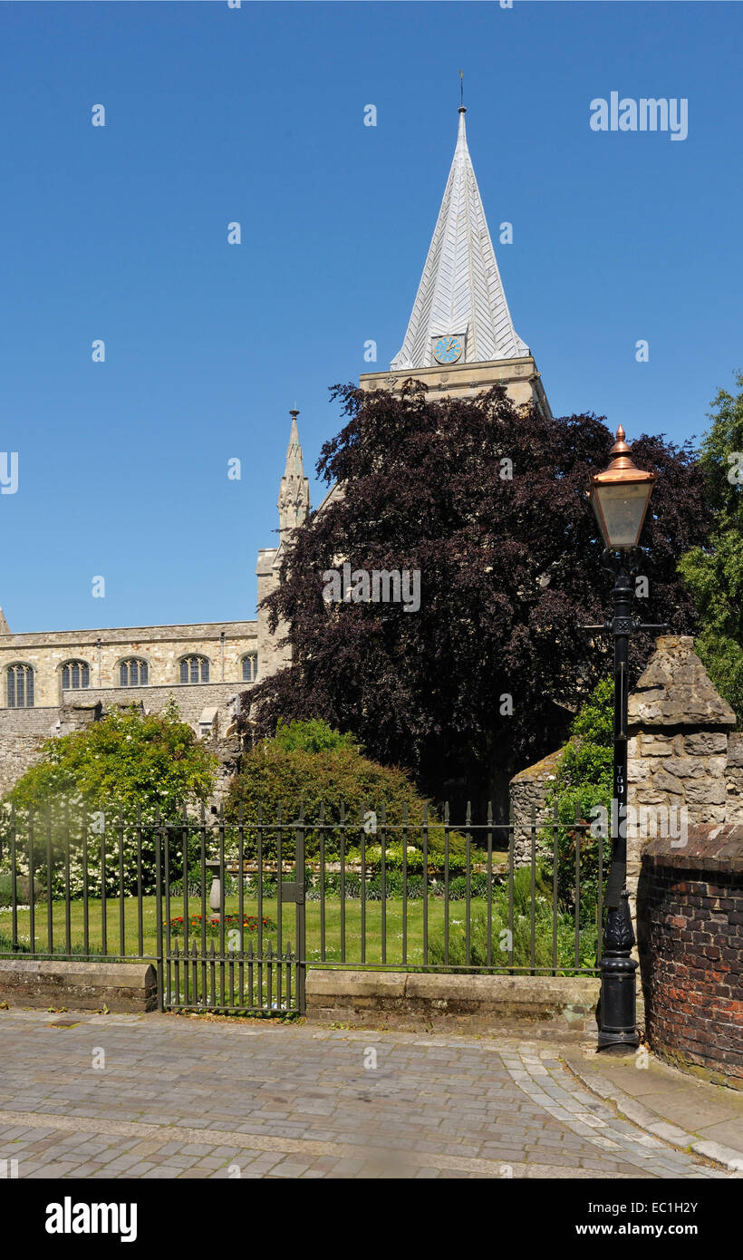 Cloister Garth, gate,Rochester Cathedral: Charles Dickens set his last novel Edwin Drood here Stock Photo