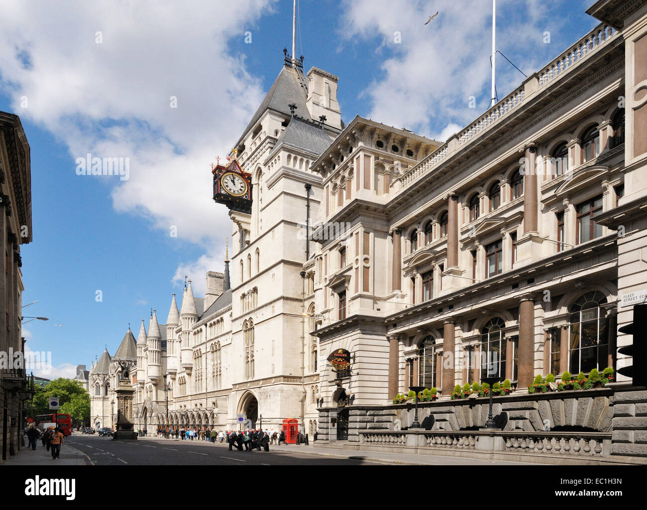 Royal Courts of Justice, Strand, Holborn, London, WC2A 2LL. Built by the architect G E Street in 1882. - Stock Image