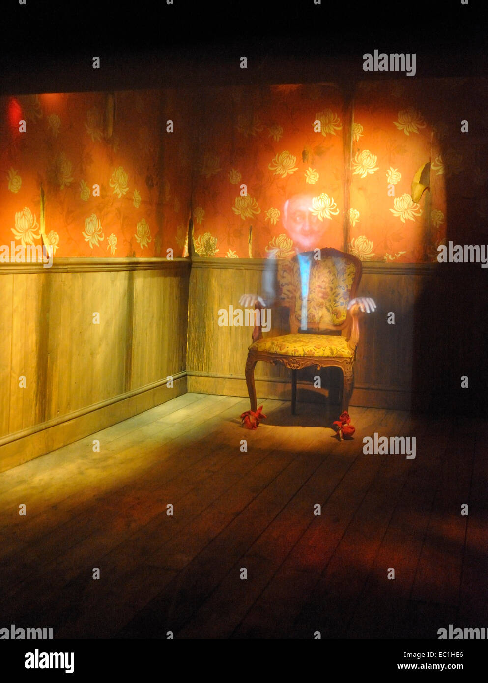 The Queer Chair: Dickens World projection-effect display of the story of Tom Smart by Charles Dickens. Dickens World - Stock Image