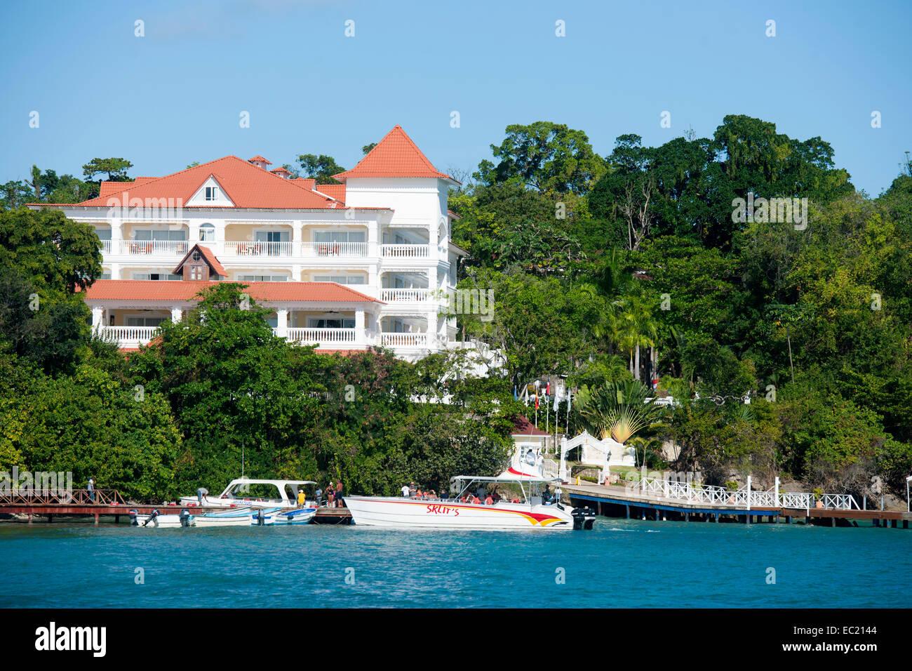 Dominikanische Republik, Halbinsel Samana, Santa Barbara de Samana, Insel Cayo Levantado (Bacardiinsel), Hotel Luxery - Stock Image