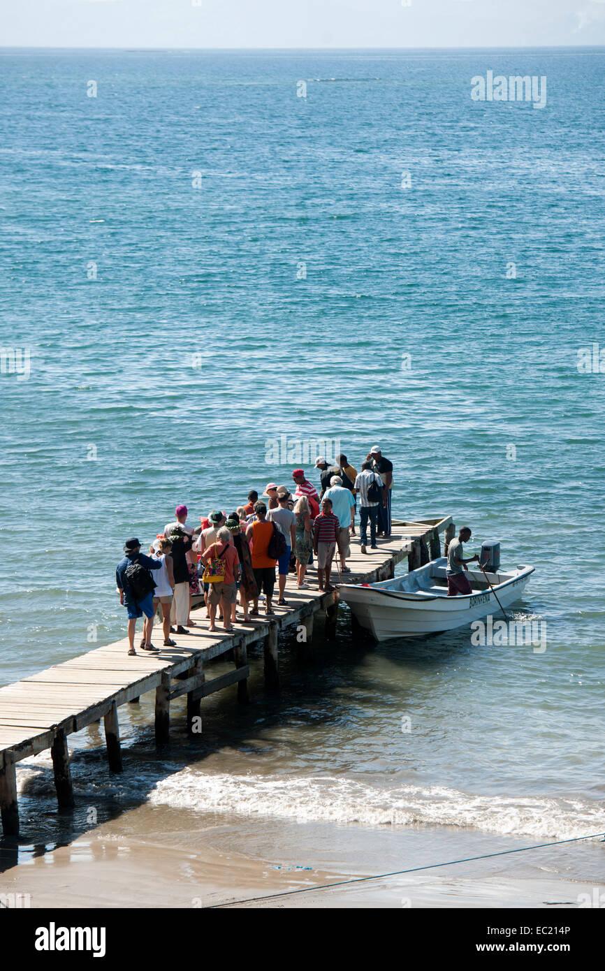 Dominikanische Republik, Halbinsel Samana, Santa Barbara de Samana, Strand Playa Carenero ca. 9 km östlich - Stock Image