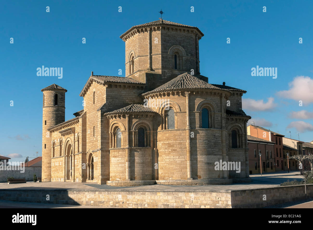 The Romanesque 11th century church of San Martin at Fromista, Palencia, Castilla and Leon, Spain, Europe - Stock Image
