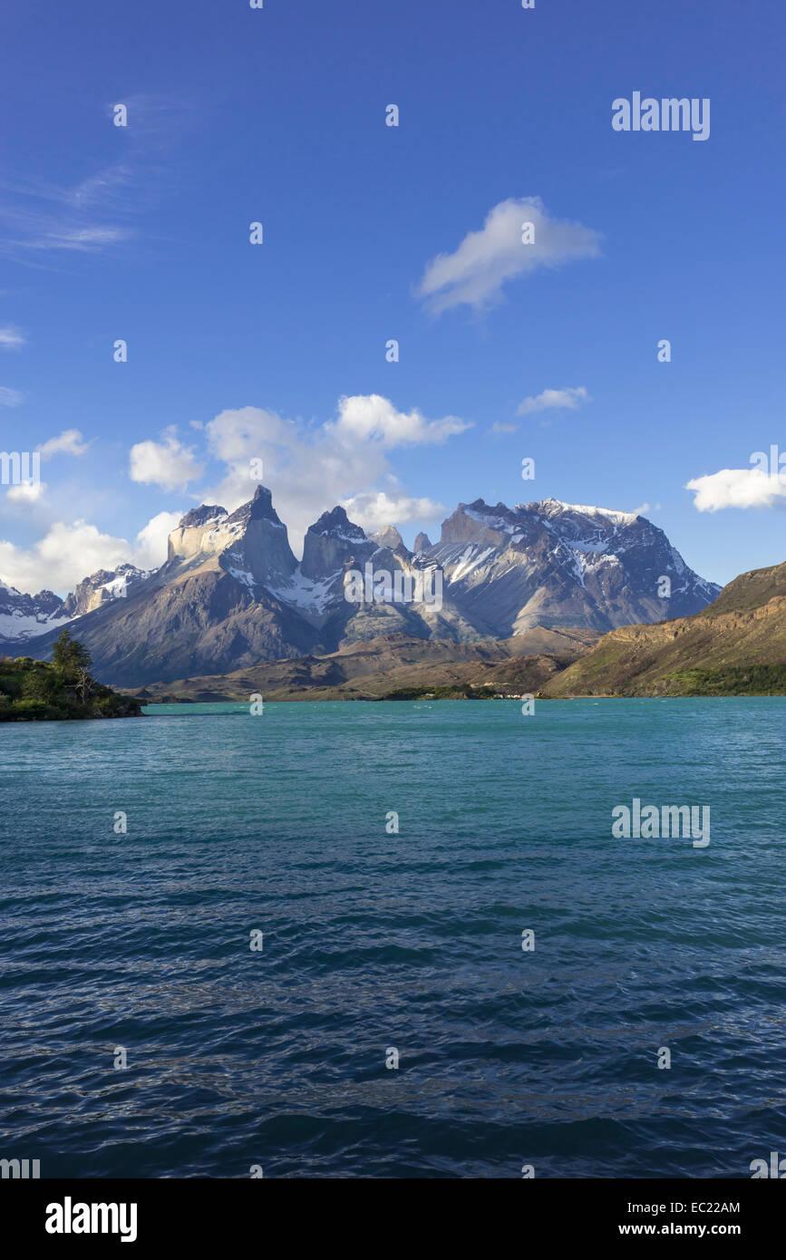 Lago Pehoe Lake and Paine Grande Massif, Torres del Paine National Park, Magallanes y la Antártica Chilena Region, Stock Photo
