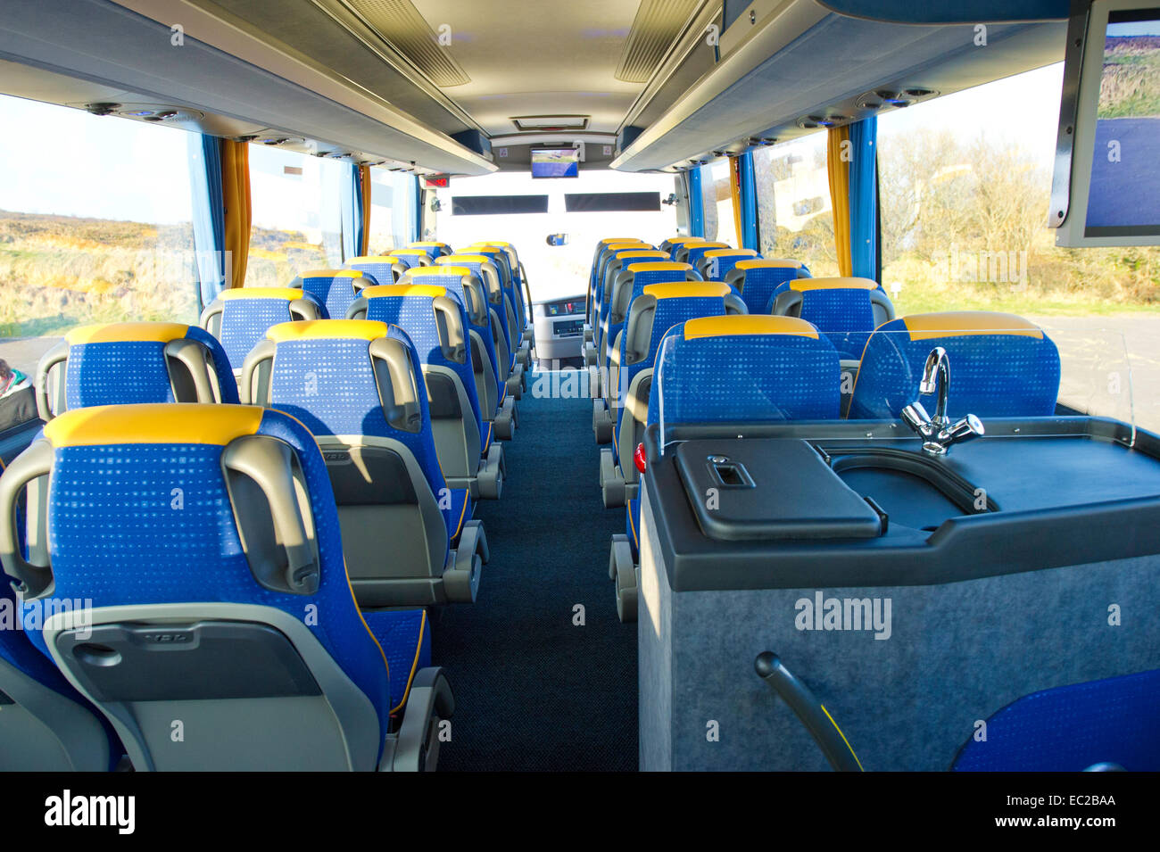 Travel By Coach Stock Photos & Travel By Coach Stock Images - Alamy
