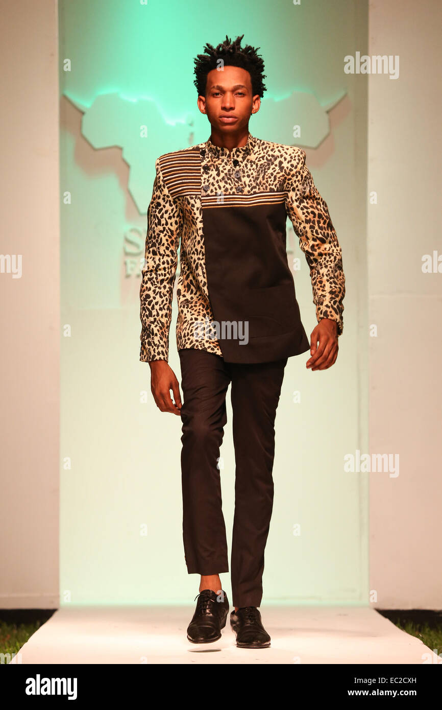 141208 Dar Es Salaam Dec 8 2014 Xinhua A Model Presents Stock Photo Alamy