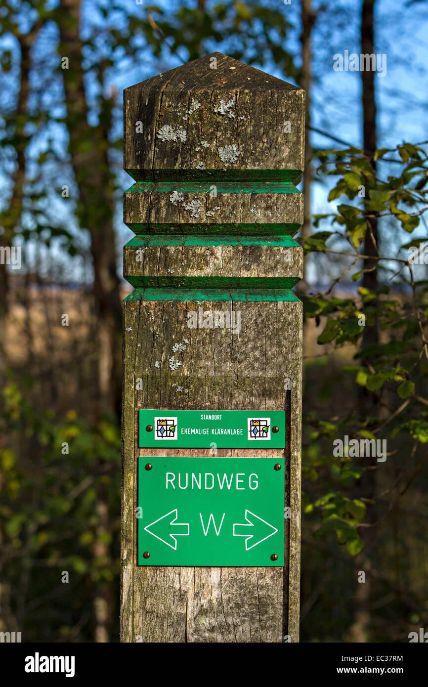 Directional sign post for walkers (treckers), Herreninsel, Chiemsee, Chiemgau,  Upper Bavaria, Deutschland, Europe. - Stock Image