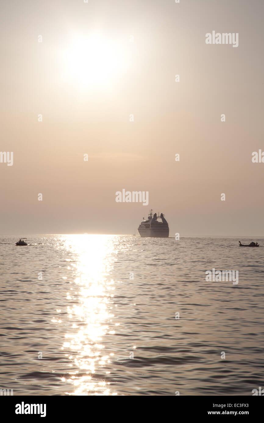 departing ship - Stock Image