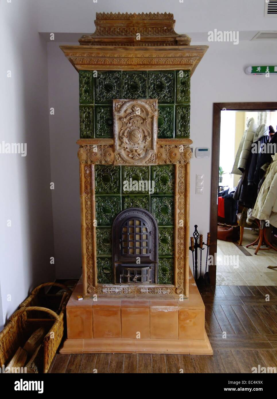 Old tiled stove in the Schlosshotel of Pronay Hungary - Stock Image