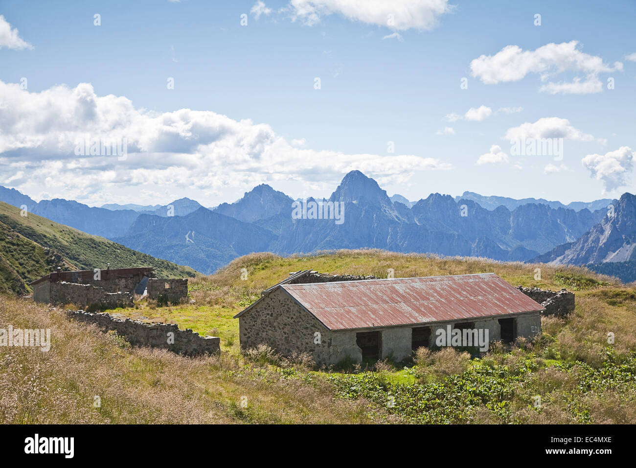 Idyllic alpine hut in the southeastern Alps - Stock Image